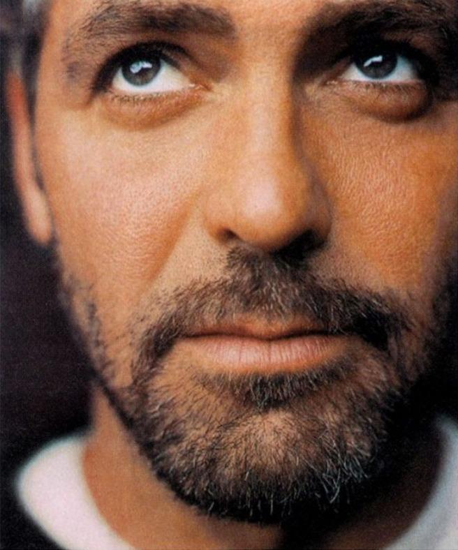 George-Clooney-george-clooney-39641_737_886