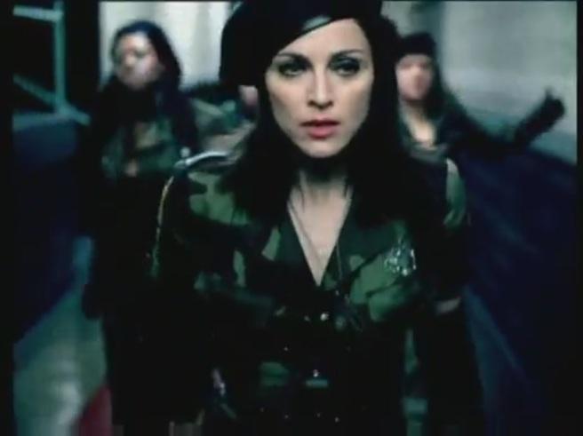 American-Life-Music-Video-madonna-27126620-907-680