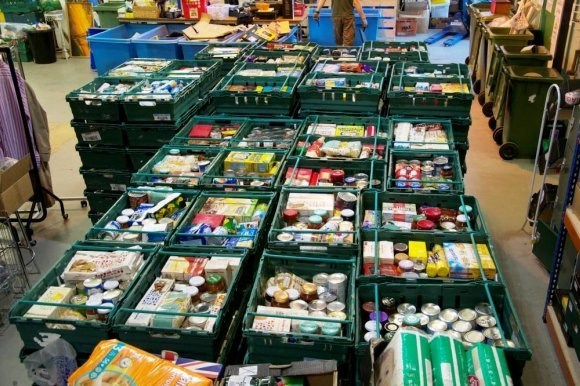 580_Image_Sanctuary_Housing_spare_food_for_those_in_need